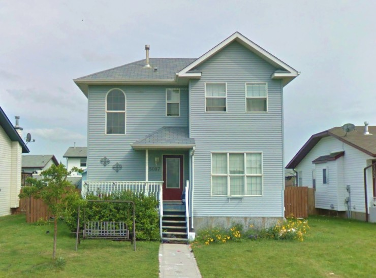 5 bedroom foreclosure near Red Deer Alberta